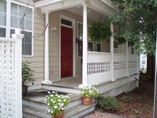 Front Porch - 2 bdroom 2.5 Bath/ Close to Water/Beach/Restaurant - Port Royal - rentals