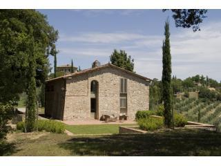 Historical Granary is now a Unique House in Tuscany - Castelnuovo Berardenga vacation rentals