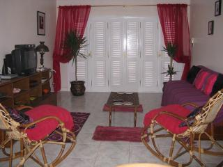 Pyramids Dream Come True, cosy apartment - Giza vacation rentals