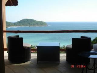 Balcony Bedroom View.JPG - Zihuatanejo Condo Paradise, Romantic Relax, VIEWS - Zihuatanejo - rentals