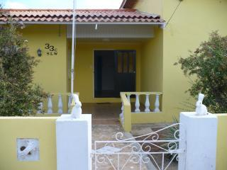 Front of House - The Villa at Spanish Lagoon,3BR3BA, Steps to Ocean - Pos Chiquito - rentals