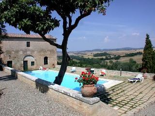 The Italian Villa Italian Villa Rental in aTuscan hilltown - San Giovanni d'Asso vacation rentals