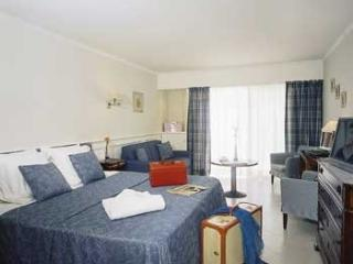 Villa Cannes - Junior Suite Deluxe apartment rental in Cannes near la Croisette. - Golfe-Juan Vallauris vacation rentals