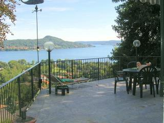 Villa Lesa villa to rent in Lesa - Lake Maggiore - Lesa vacation rentals