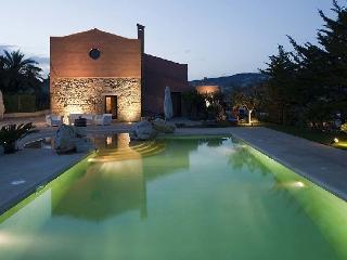 Villa Palizzolo Rent Sicily Villa in Buseto Palizzolo - Buseto Palizzolo vacation rentals