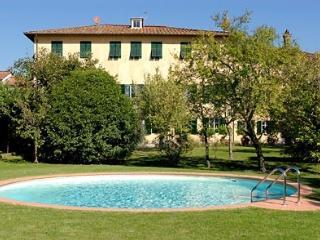 Villa Patrizia vacation villa in Lucca - Rent this villa in Lucca - Lucca vacation rentals