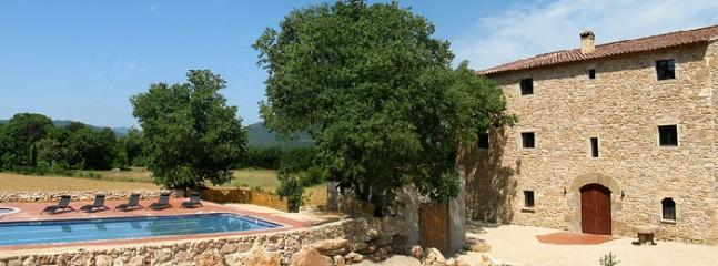 Villa Pyrennees Costa Brava Villa rental Girona - Image 1 - Serinya - rentals