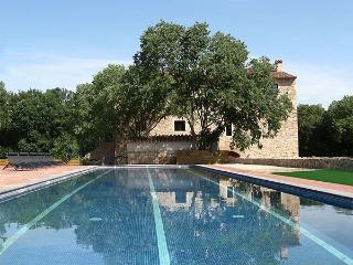 Villa Pyrennees Costa Brava Villa rental Girona - Serinya vacation rentals