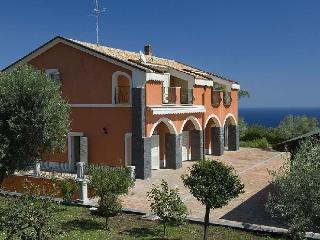 Villa Sicilia villa to rent in Sicily - Acireale vacation rentals