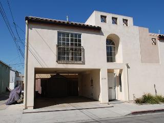Great 2 Bedroom Unit with an Ocean View Deck! (68201) - Newport Beach vacation rentals