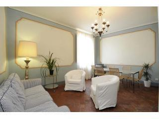 Casa Ottolini, between torre delle ore and torre Guinigi - Lucca vacation rentals