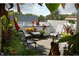 Perfect Location,Block from Beach,Kitchen,10 units - Clearwater vacation rentals