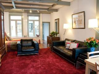 """Amsterdam Canal Apartment """"Canal View"""" - Amsterdam vacation rentals"""