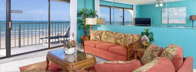Living room with Oceanview, Balcony, 50