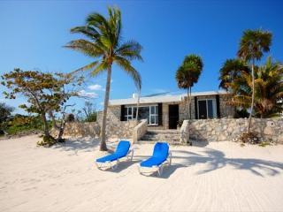 Casa Maya, Cute Beach Bungalow! - World vacation rentals