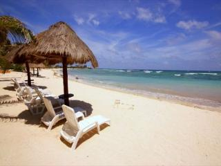 Akumal Direct, Luna Azul Condos, Beach Level Unit! - Akumal vacation rentals