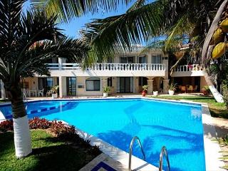 Akumal Direct, Seven Seas Condos Beach Front, Pool, Perfect! - Akumal vacation rentals