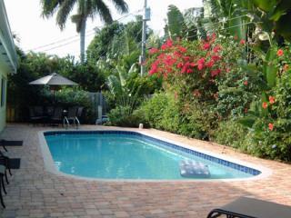 Spacious 4/3, Heated Pool, Wi-Fi, Sleeps 8-10 - Fort Lauderdale vacation rentals