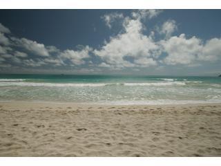 Relaxing 4BR Beach house, Kailua Beachfront, A/C - Kailua vacation rentals