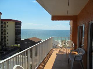 Best price on the beach for this waterfront condo - Redington Shores vacation rentals