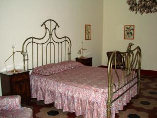 Spaciousness and elegance: Butera28 Apartment #17 - Palermo vacation rentals