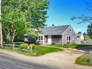 WALK TO TOWN FROM THIS RENOVATED COTTAGE - EDG HJON-47 - Martha's Vineyard vacation rentals