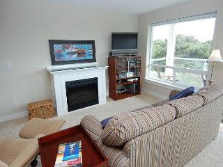 Beautiful 1-BD beach home!  Walk to beach & lighthouse! - Westport vacation rentals
