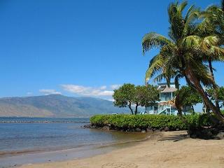 Kihei Bay Surf #123 Studio, A/C, T/V, Wifi, Near Beach, Great Rates! Sleeps 2 - Kihei vacation rentals