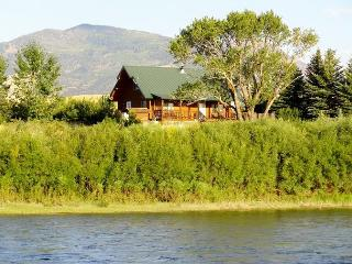 Yellowstone Lookout Cabin - Yellowstone vacation rentals