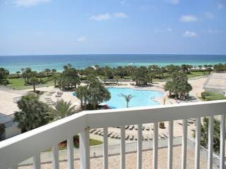 BEACHFRONT FOR 6!! GREAT VIEWS! OPEN 3/7 - 14 -  30% OFF! - Destin vacation rentals