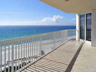 BEACHFRONT LUXURY FOR 8! OUTSTANDING VIEWS! OPEN WEEK OF 3/7 - 30% OFF NOW - Destin vacation rentals