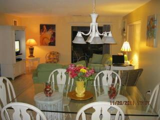 Spacious 3 bedroom Villa Walking Distance to Beach - Hilton Head vacation rentals
