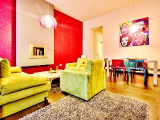 72 sqm 2 br A/C Wi-Fi Apartment next to Opera - Budapest vacation rentals