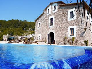 Villa Rental in Catalonia, Sant Pere de Ribes - El Magnifico - Torrelles de Foix vacation rentals