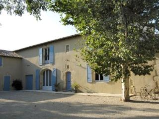 Vacation House Near St Remy de Provence - Mas Blanc - Saint-Remy-de-Provence vacation rentals