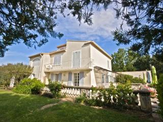Villa Rental in Provence, Cheval-Blanc - Villa Cheval Blanc - Cavaillon vacation rentals