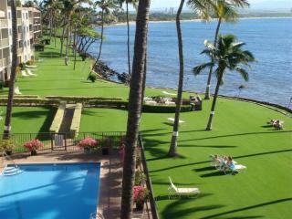 ZzzSleeps7 Stunning 2 story wall of glass Oceanfrt - Maalaea vacation rentals