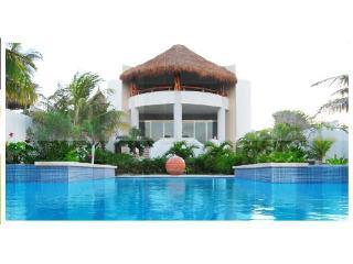 Casa De Las Palmas Ocean Front Oasis up to 16 - Isla Mujeres vacation rentals