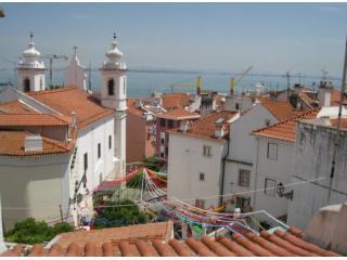 Living room view - Alfama Hill - Boutique apartment with river view - Lisbon - rentals