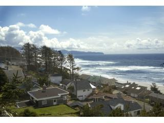 KNOTTY PINE OCEAN VIEW CABIN- STEPS TO THE BEACH! - Oceanside vacation rentals