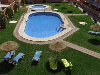 Fantastic Pool area with sunloungers - Holiday Apartment nr beach,Roquetas de Mar,Almeria - Roquetas de Mar - rentals