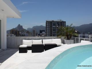 Rio037 - Luxury penthouse with a private Pool - Ipanema vacation rentals