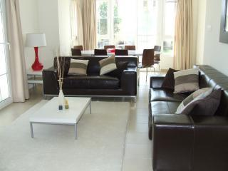 Villa Lounge & Dining Area - Luxury 4 bed villa rental - Arabian Ranches DUBAI - Dubai - rentals