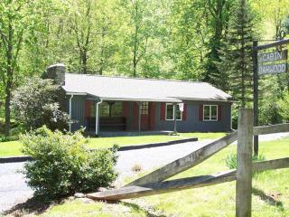 3BR Blue Ridge Vacation Cabin on Mountain Stream - Tyro vacation rentals