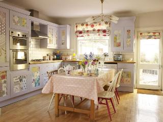 The Sweet Shop: Boutique holiday home in Brighton - Worthing vacation rentals