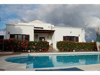 Villa Los Delfines Exterior - Lanzarote Villa Los Delfines, Pool, Jacuzzi, WIFI - Puerto Del Carmen - rentals