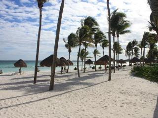 Villa del Mar E 101- Ground Floor- Playa del Sol - Puerto Aventuras vacation rentals
