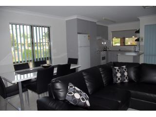 Dalby Rental Accommodation - modern 2 bedroom unit - Dalby vacation rentals