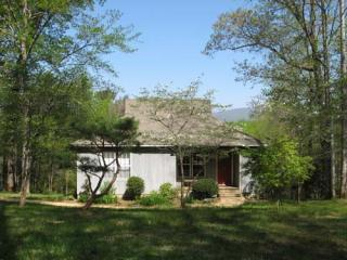 Afton Cottage: UVA, Monticello, Hiking, Wineries. - Central Virginia vacation rentals