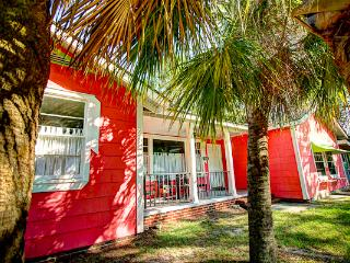 Large Island Cottage,5BDRM,18P,Southend,PetsOK,WF - Tybee Island vacation rentals